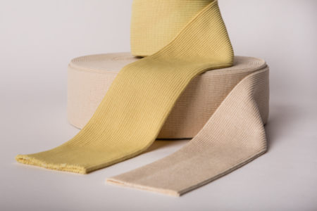 les bords de côte : rouleaux de maille tubulaire bord de côte destiné à confection de gants ou manchon résistant à la chaleur et aux coupures