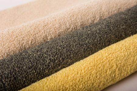 les mailles bouclettes : Déclinaison de mailles bouclettes. Textile technique ayant des propriétés d'isolants thermiques