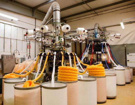 atelier de tricotage fausse fourrure